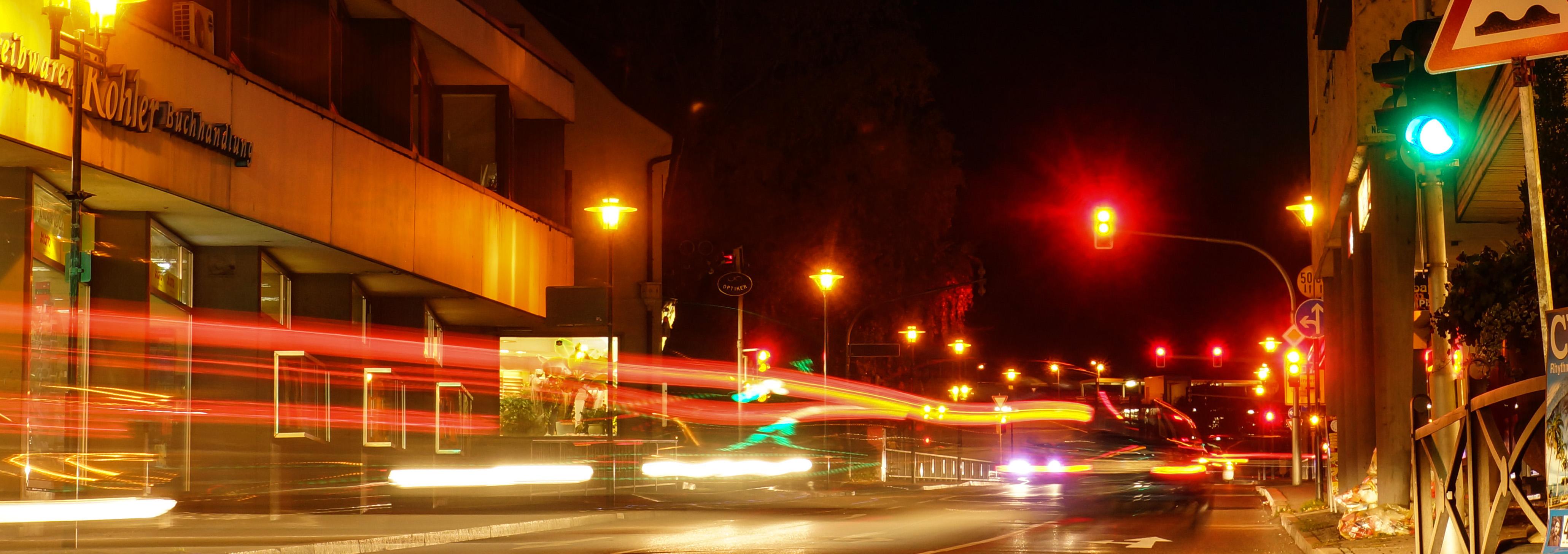 Abendverkehr in der Stadt